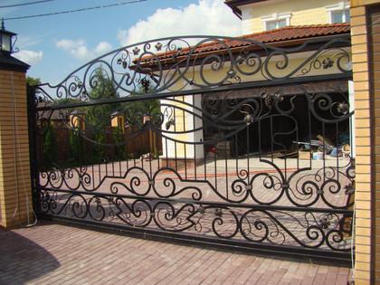 кованые-ворота-и-калитки-14-1024x768.jpg