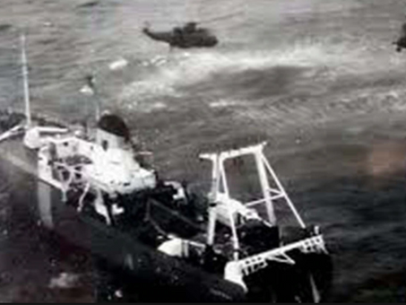 Battle for the Falklands - The first air-to-ship storming of a hostile vessel in military history -