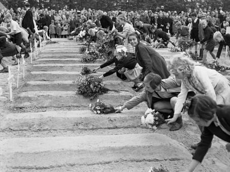Imperial War Museum - Operation 'Market Garden' In Photos @I_W_M @16AirAssltBde @PoppyLegion