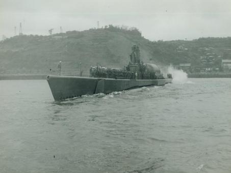 Amphibious Raid from USS Perch