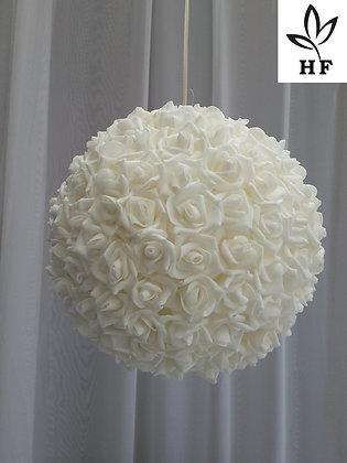 Boule de roses blanches 30 cm