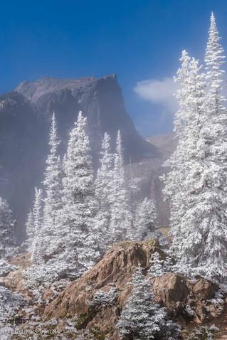 300 Frosty Morning with Hallett Peak