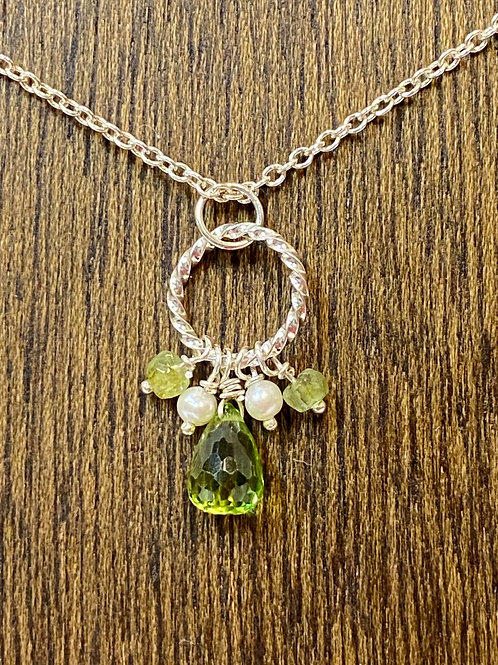Peridot and Pearl Jumpring Necklace