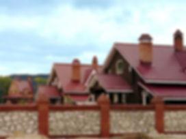 металлочерепица фото, дом с металлочерепицей фото, фото красивых домов, построить красивый дом, самый лучший материал для кровли, лучший материал для кровли выбрать, красная черепица, красный дом, красивый дом фото, крыша коттедж, красивый коттедж фото