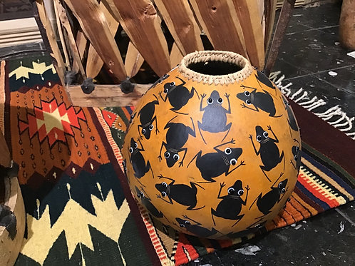 Frogs Mimbres Pot