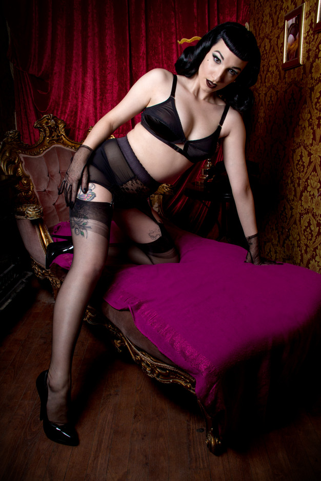 black lace 6 strap girdle and soft bra, available in plus size