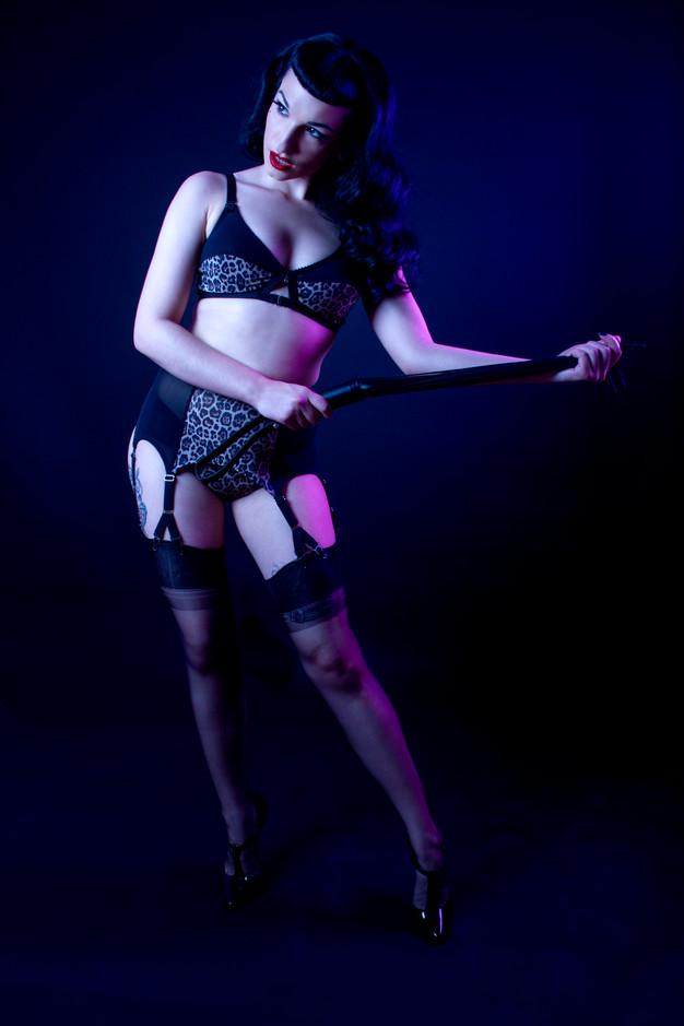 leopard print lingerie, soft bra, y strap garter belt and classic knicker