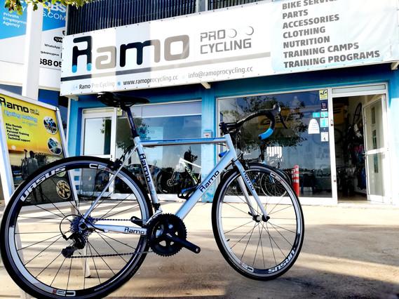 Ramo Pro Cycling Bike Rental