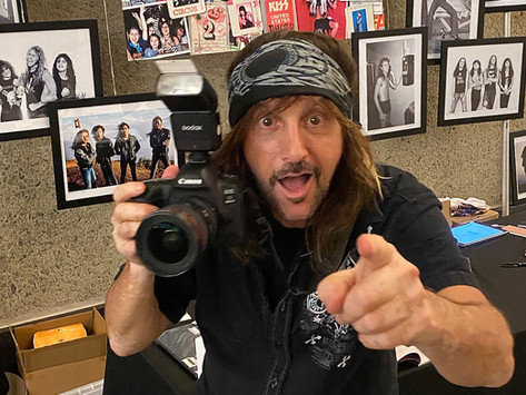 """INTERVIEW: MARK WEISS. LEGENDARY ROCK PHOTOGRAPHER RELEASES NEW BOOK """"THE DECADE THAT ROCKED""""."""