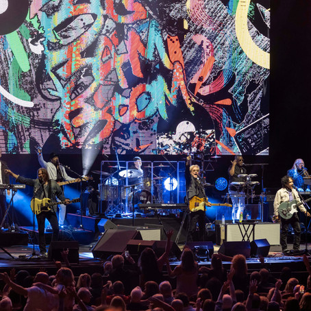 HALL & OATES PLAY HARD ROCK LIVE TO A SOLD-OUT, MUSIC-HUNGRY CROWD THAT WAS WANTING MORE