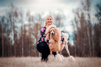 Koirankouluttaja ja näyttelyharrastaja Saara Sievänen