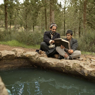 __The_Mori_and_his_son_exercising_readin