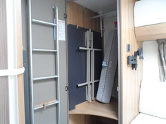 Storage / hanging rail