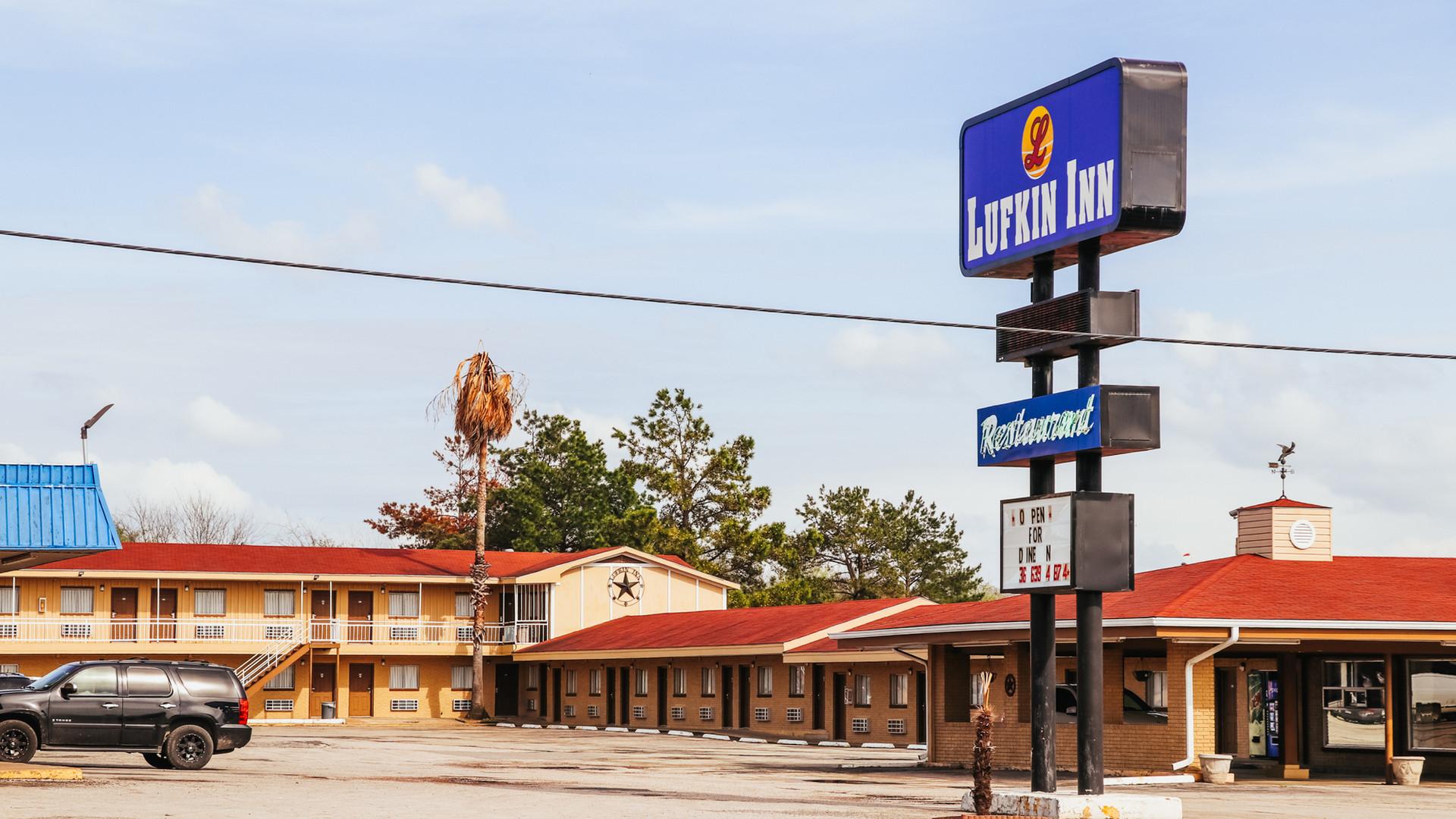 Lufkin Inn-41.jpg