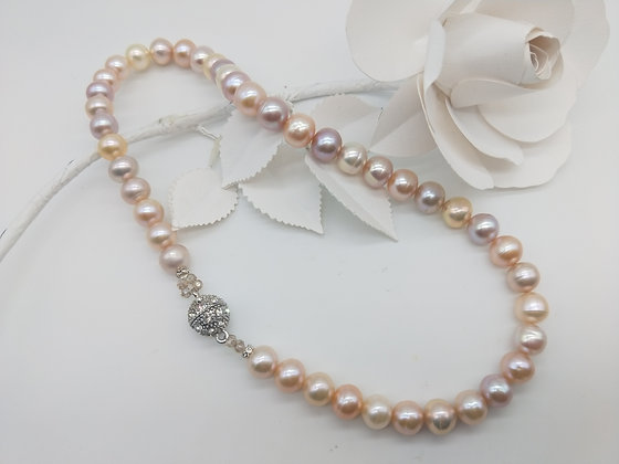 Blush Japanese pearl Necklace