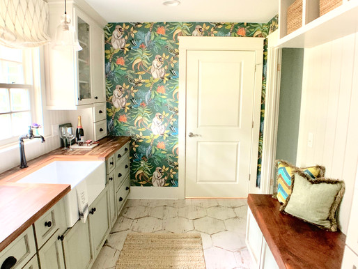Stylish Mudroom and Butler Pantry Powerhouse
