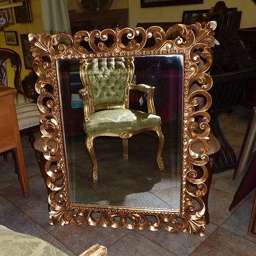 N.184 Specchiera Barocca con cornice intagliata e decorata in foglia oro