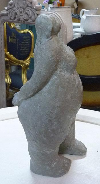 MF05 Statua Donna Lascaux In Resina