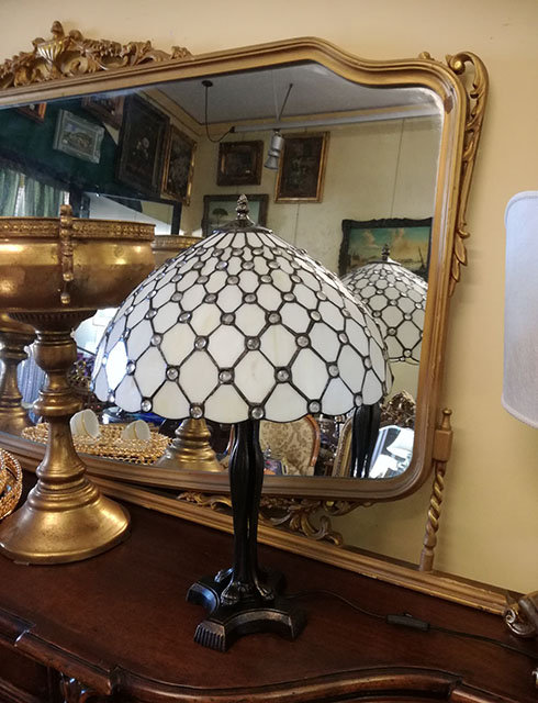 BB08 Lampada Da Tavolo Tiffany Con Piede In Bronzo