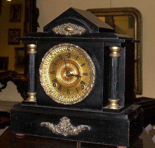ORG02 Orologio in marmo con inserti dorati