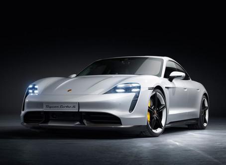 Porsche Taycan Turbo 電跑   800 伏特電壓系統 + 911 家族設計