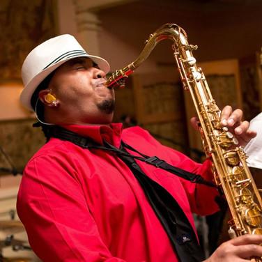 Del playing sax.jpg