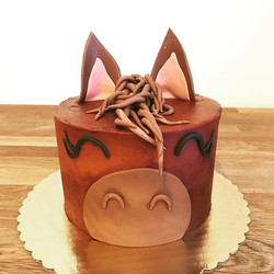 Cutest horse cake!!!_Chocolate cake with