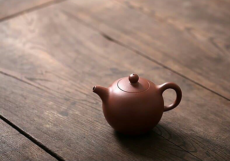 Yixing Zisha Aged Purple Clay Yuan Zhu (Pearl) Teapot (220ml)