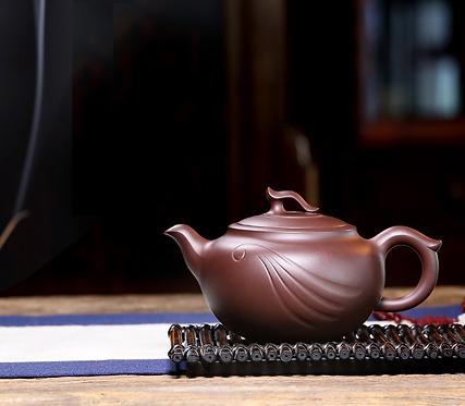 Yixing Zisha Aged Purple Clay Hidden Cloud Dragon Teapot (400ml)