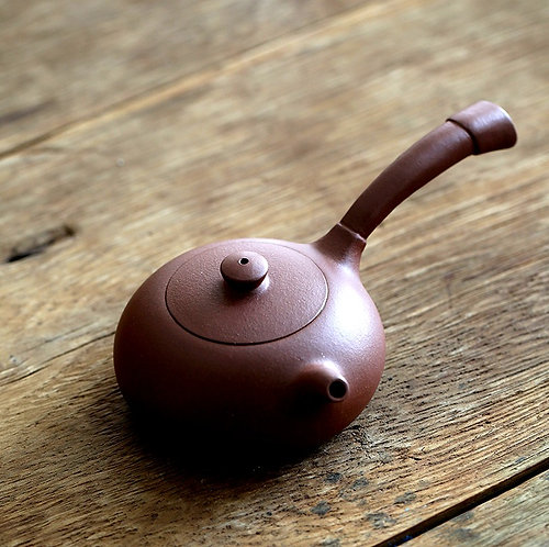 Yixing Zisha Aged Purple Clay Tong Yu Teapot (155ml)