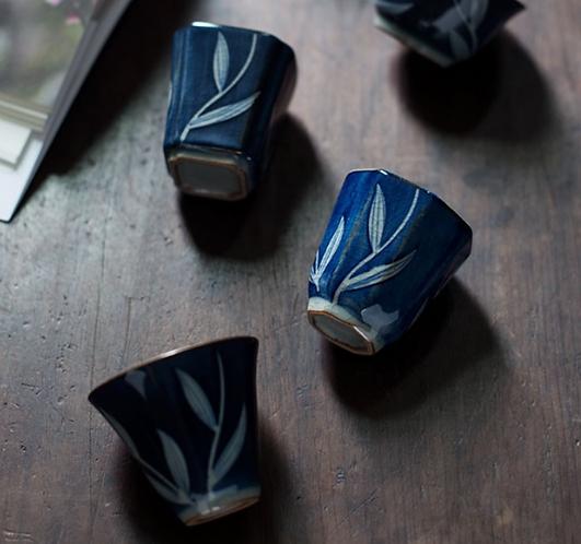Cracked Glazed Qinghua River Grass Teacups