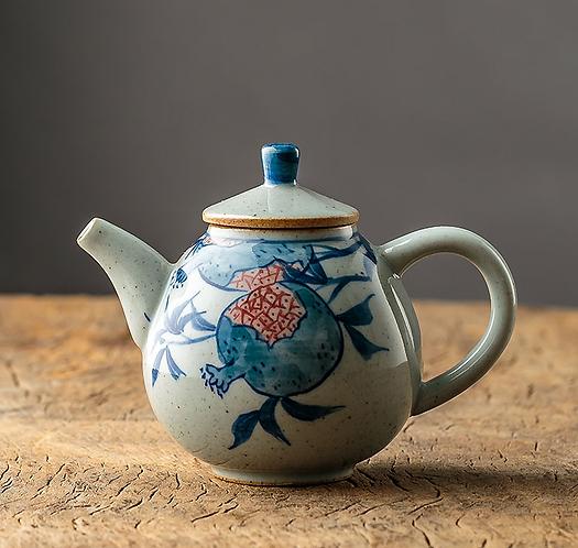Qinghua Ripen Guava Teapot