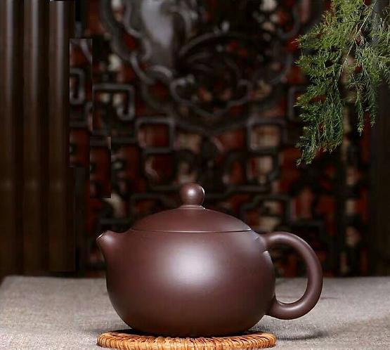 Yixing Zisha Aged Purple Clay Queen Xishi Teapot (230ml) (Name Carving)