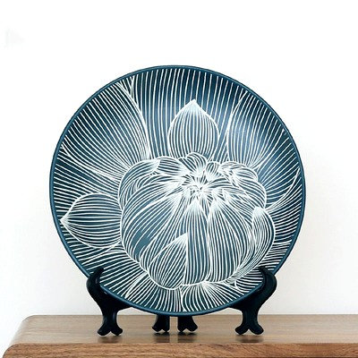 Hand Carved Black Lotus Plate (Include Shipping for Bulky Item)
