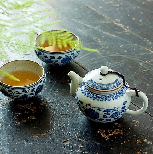 Qinghua Magnolia Teapot