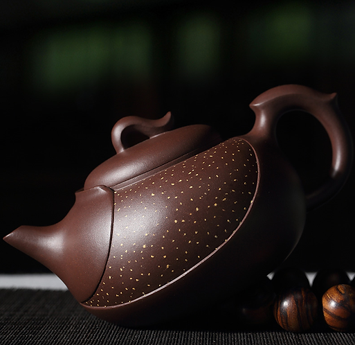 Yixing Zisha Aged Purple Clay Interstella Teapot (340ml)