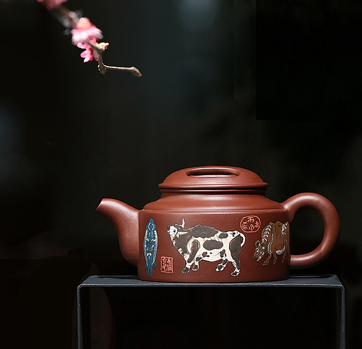 Yixing Zisha Aged Purple Clay Five Anicent Ox Teapot (440ml)