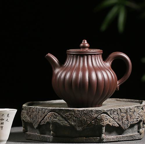 Yixing Zisha Aged Purple Clay Chrysanthemum Lantern Teapot (330ml)