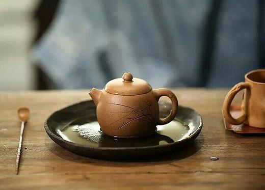 Yixing Zisha Aged Fault Clay Grass Hopper Mantan Teapot (120ml)