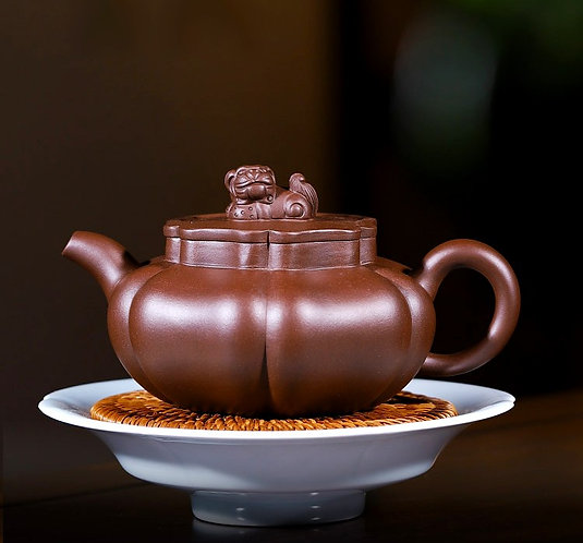Yixing Zisha Purple Clay Giant Lion Teapot (380ml)
