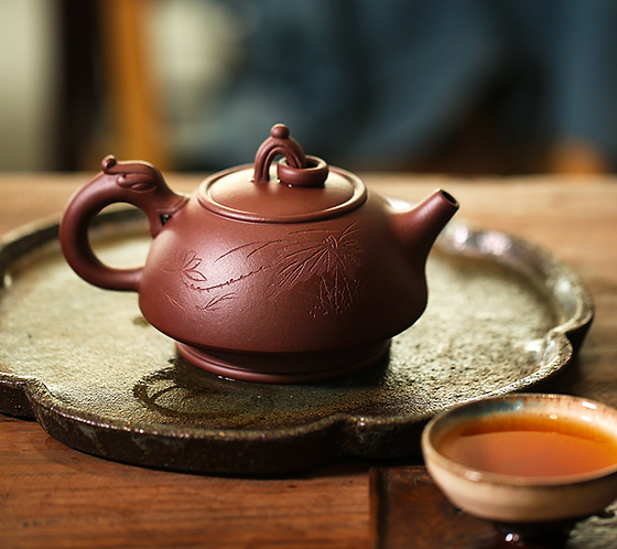Yixing Zisha Aged Purple Clay Caged Dragon Teapot (445ml)