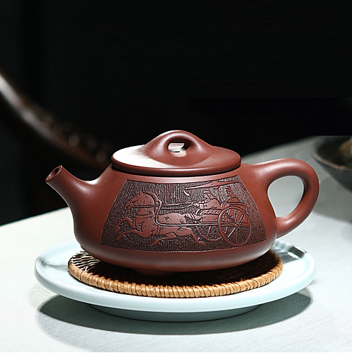 Yixing Zisha Aged Purple Clay War Horse Chariot Teapot (390ml)