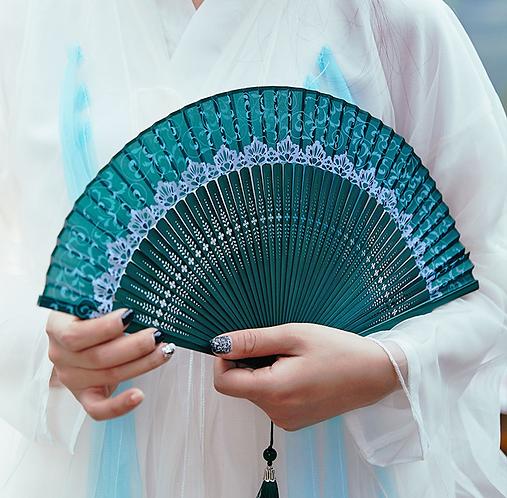 Han's Era Tea Dance Bamboo Fan