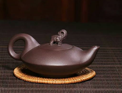 Yixing Zisha Aged Purple Clay Peace in Elephant Teapot  (225ml) (Name Carving)