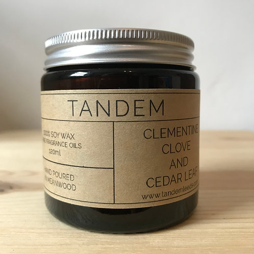 Clementine, cedar leaf and clove soy wax candle