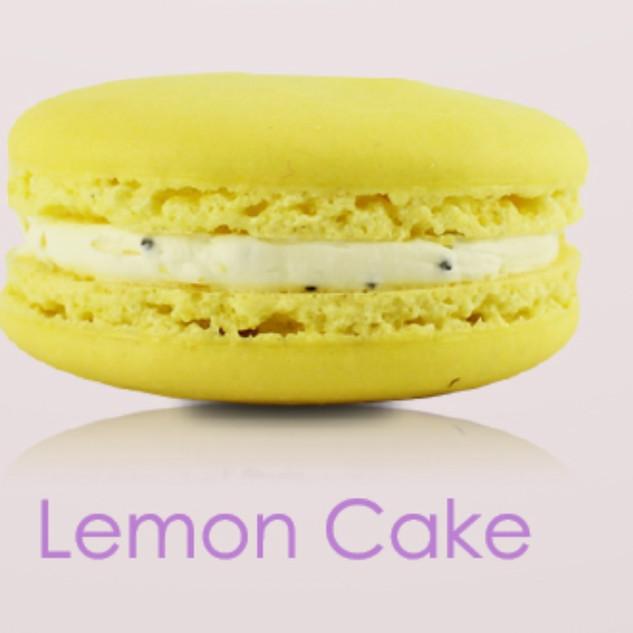 LEMON CAKE MACARON