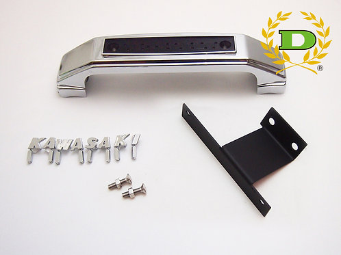 "Z900RS ""KAWASAKI"" silver fork emblem (all capital)"
