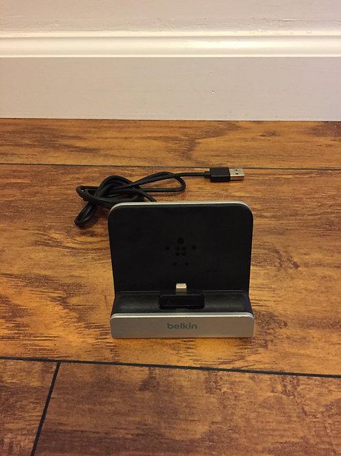 BELKIN iPhone iPad charging stand