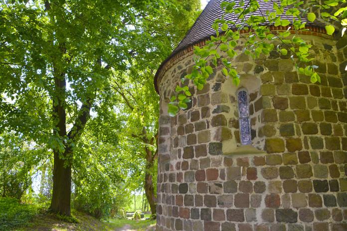 An der Dorfkirche