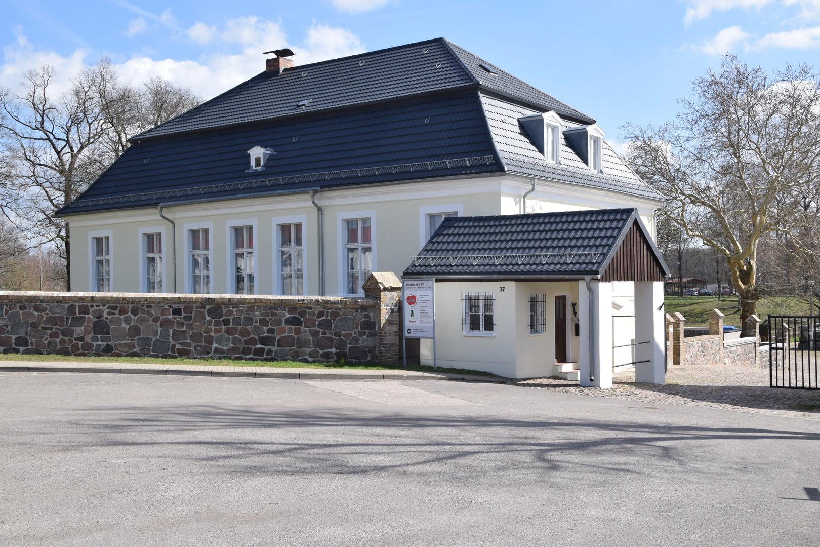 Schloß-BB Ost.JPG